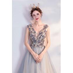 Společenské překrásné bleděmodré šaty s nádherně zdobeným topem