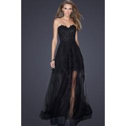 Společenské tylové velice svůdné černé šaty bez ramínek a s průsvitnou sukýnkou