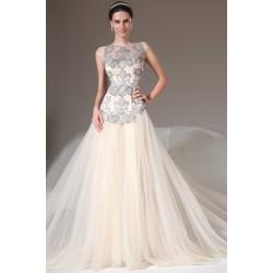 Společenské plesové překrásné šaty v barvě champagne s průsvitným svůdným topem zdobeným šedo stříbrnou krajkovou aplikací