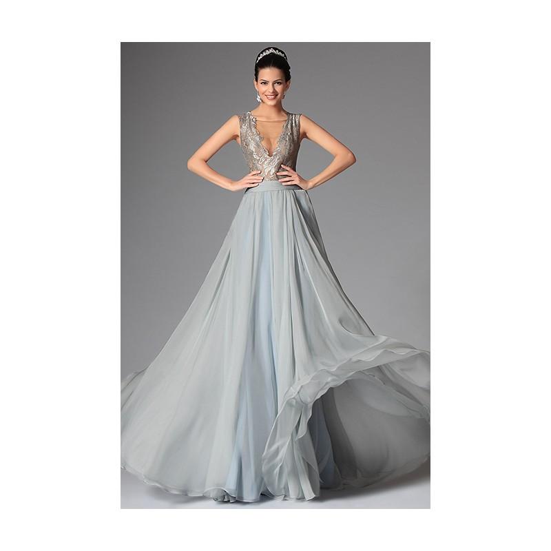 75a8ca3cc83 ... Společenské nové romantické šedomodravé šaty s hlubokým sexy véčkovým  výstřihem a nádhernou průsvitnou krajkou ...